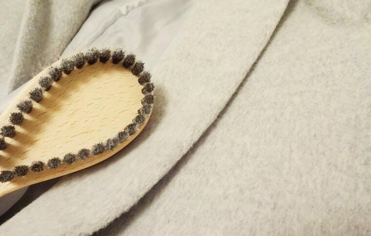 かんたん毛玉取りブラシをかける前の毛玉・毛羽立ちがなくなったコート