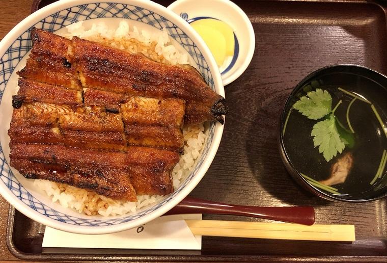 鰻しげ吉のうなぎ丼と肝吸物と漬物